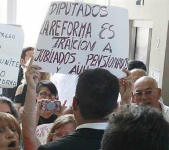 AGDU va al paro contra la reforma previsional